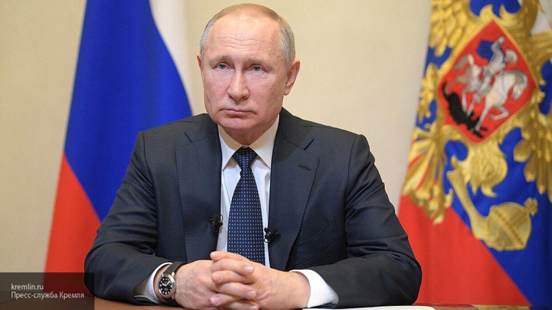 Кремль заявил о продлении дистанционной работы Путина еще на наделю