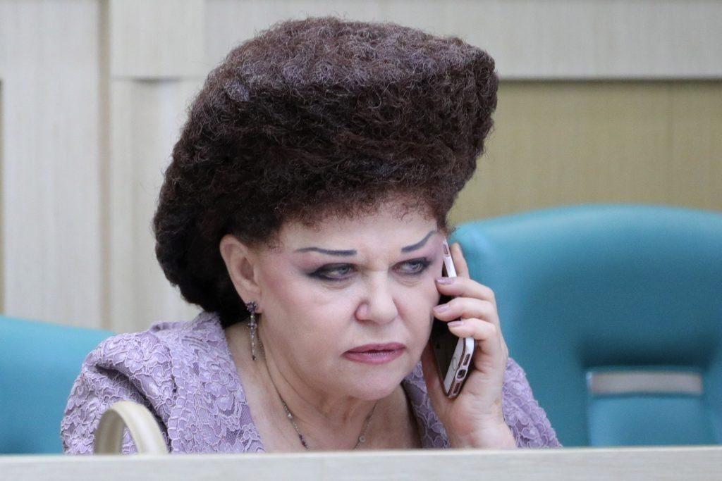 Как выглядела Валентина Петренко до своего «большого домика» на голове
