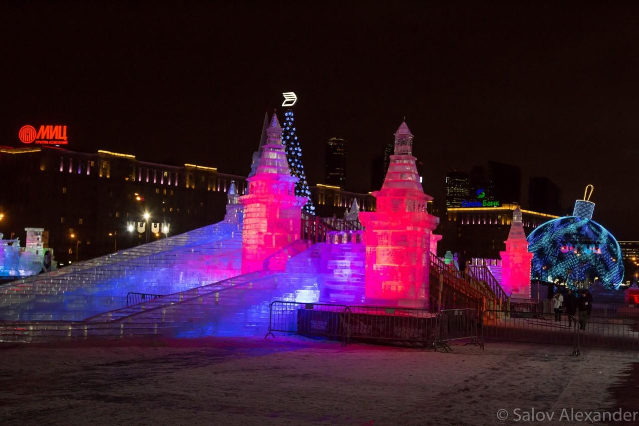 касается поклонная гора в москве зимой фото рассказывает