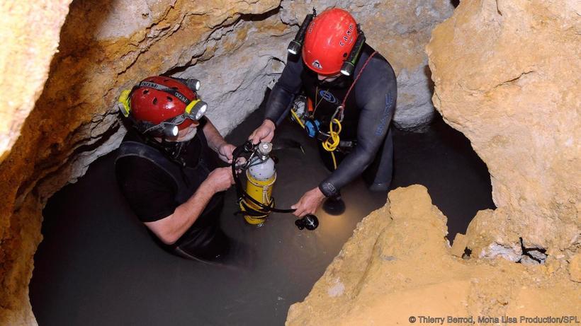 Фантастическая пещера Мовиле, где существует иная атмосфера, отличная от земной