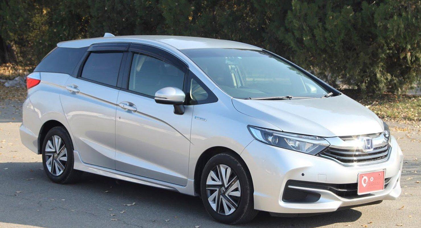 Honda Shuttle: Универсал на базе хэтчбека Fit/Jazz третьего поколения Автомобили