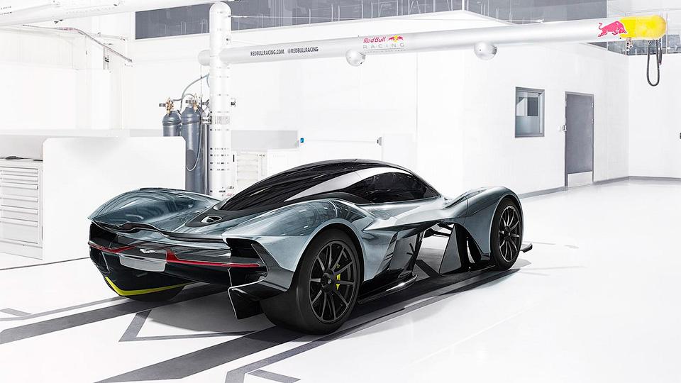 Гиперкар Aston Martin иRed …