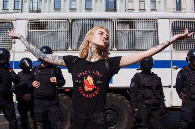 Концерт кончился, крысы остались - после вчерашнего митинга провокаторы громили центр Москвы митинг, либералы, погромы