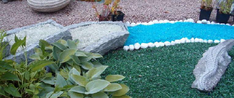 Услужливый невидимка или использование стекла в обустройстве садовых дорожек