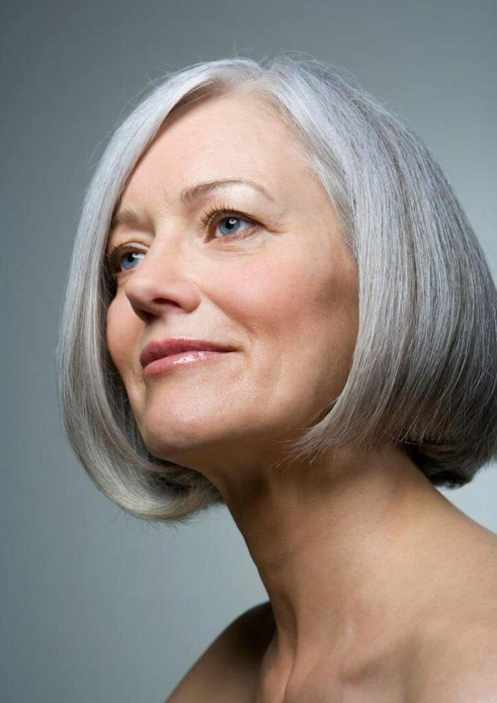 Может, хватит скрывать седину? Стильные образы с седыми волосами для женщин 50+ внешность,иконы стиля,красота,мода и красота,модные образы,модные советы,прически,стиль,стиль жизни,стрижки