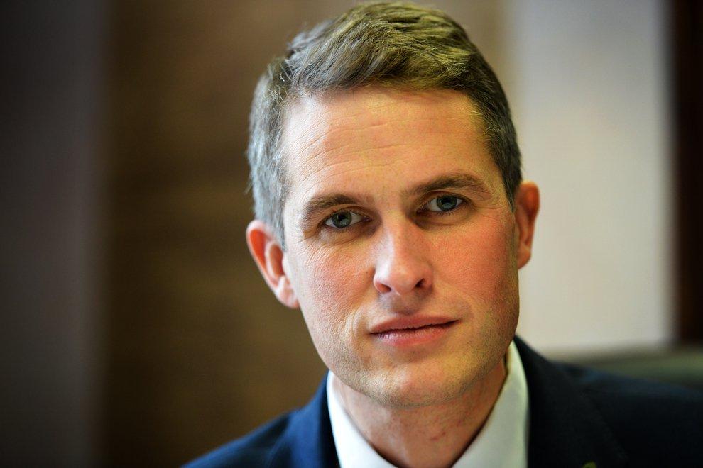 Министр обороны Британии рекомендовал России «отойти и заткнуться»