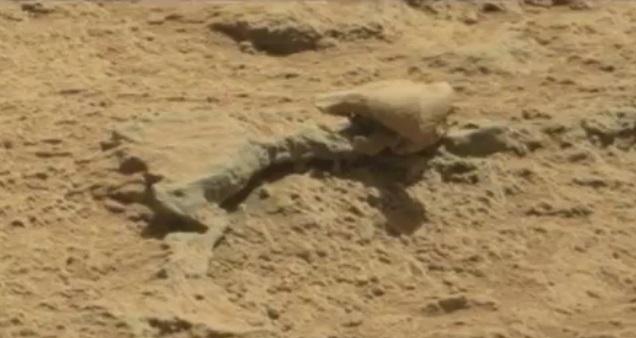 """""""Виртуальные археологи"""" нашли на Марсе чей-то скелет"""