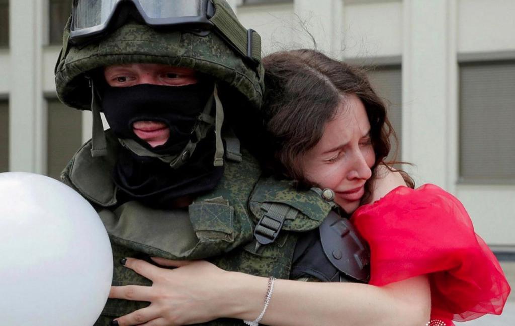 Белорусы честно ответили, ждут ли они прихода российских силовиков Беларусь,Митинги,Мнения,Иностранцы,Россия