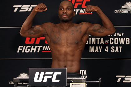 Определился победитель главного боя турнира UFC Vegas 22 Спорт