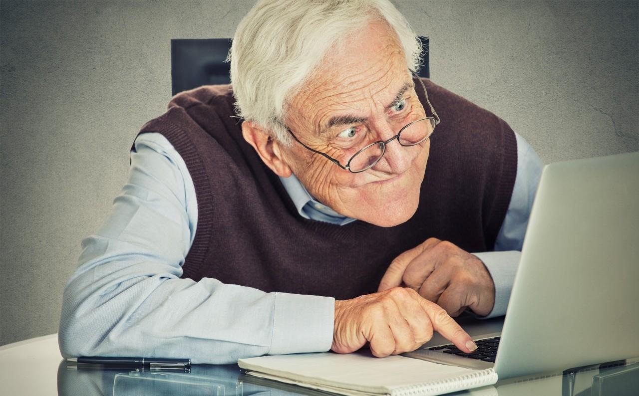Праздник закончился, человек и компьютер смешные картинки