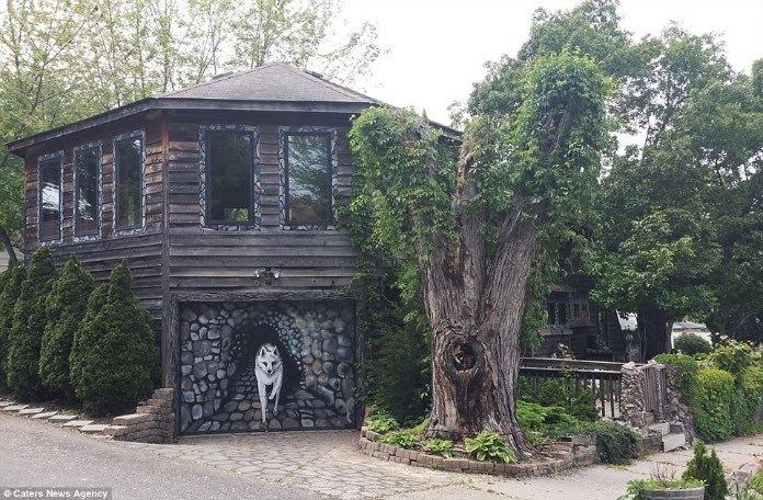 Долгих 35 лет эта женщина украшала свой дом