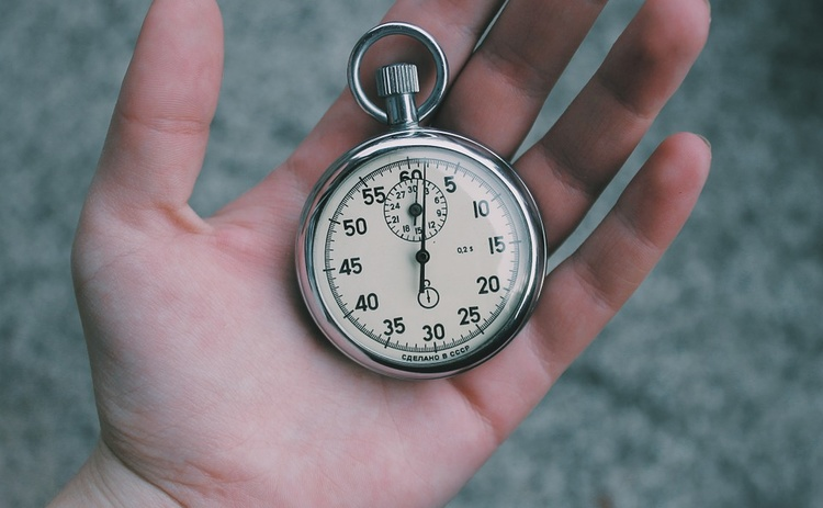 Ученые дали ответ, почему во взрослом возрасте время пролетает быстрее
