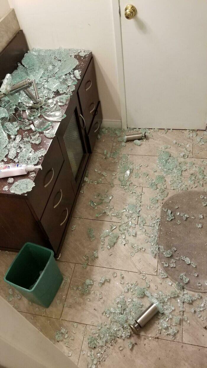"""30 бытовых катастроф из серии """"Уж не повезло так не повезло"""" ремонт и строительство"""