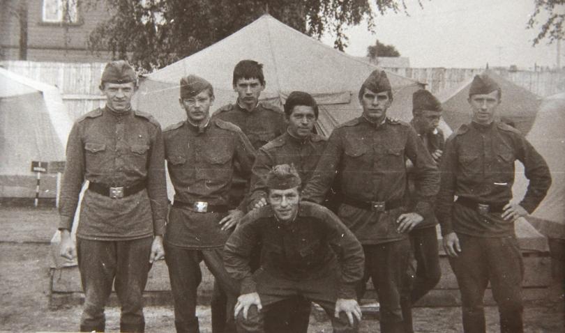 Зачем военные носили галифе? факты