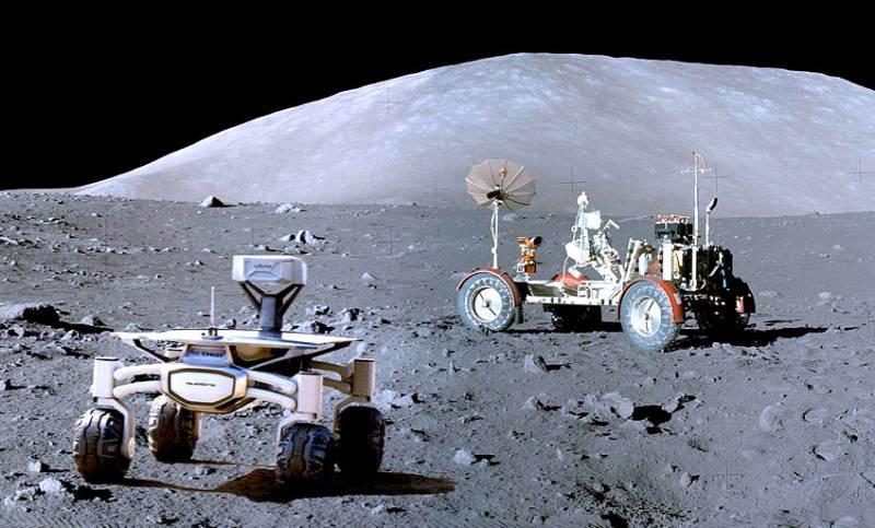 На Луне становится тесно