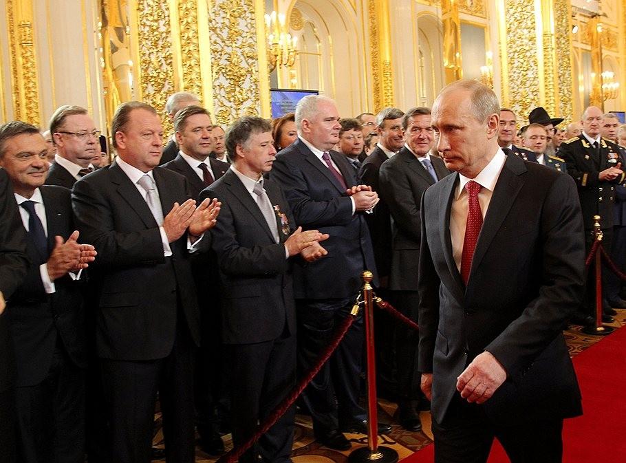 Путинская элита в борьбе за самосохранение