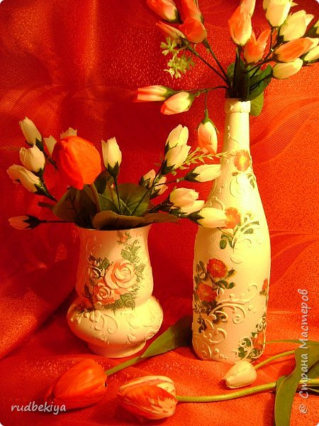 Декоративная бутылка и вазочка из плафона.