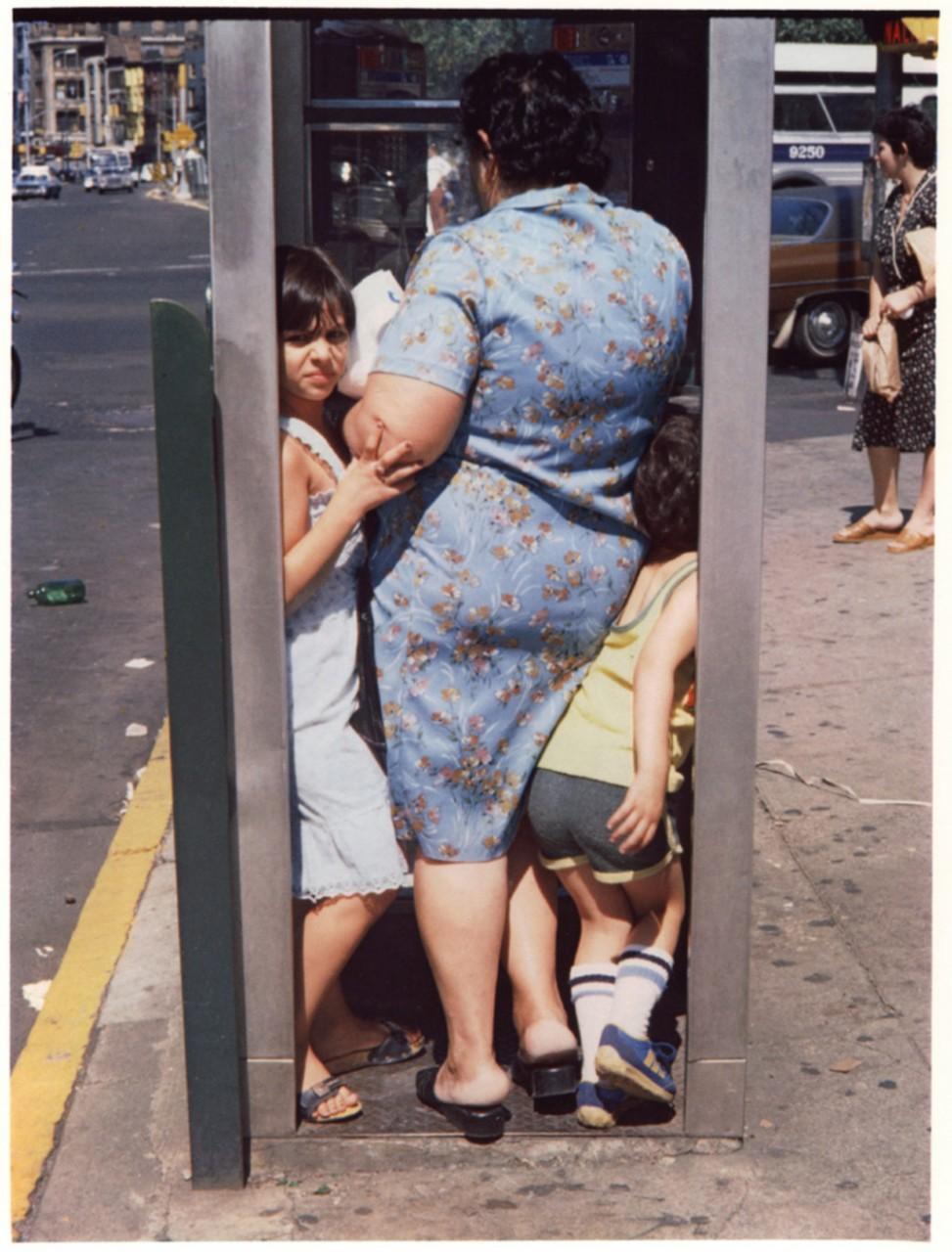 Уличная жизнь Нью-Йорка с 1930-х до 80-х годов в фотографиях Элен Левитт 1