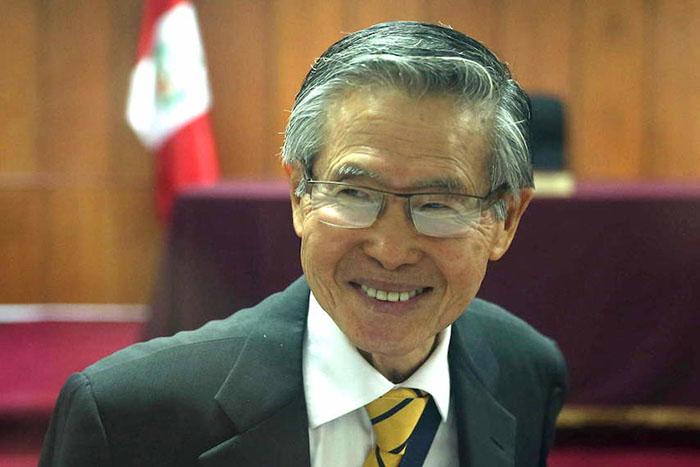 Альберто Фухимори, бывший президент Перу. Именно он был инициатором программы по принудительной стерилизации женщин в Перу.
