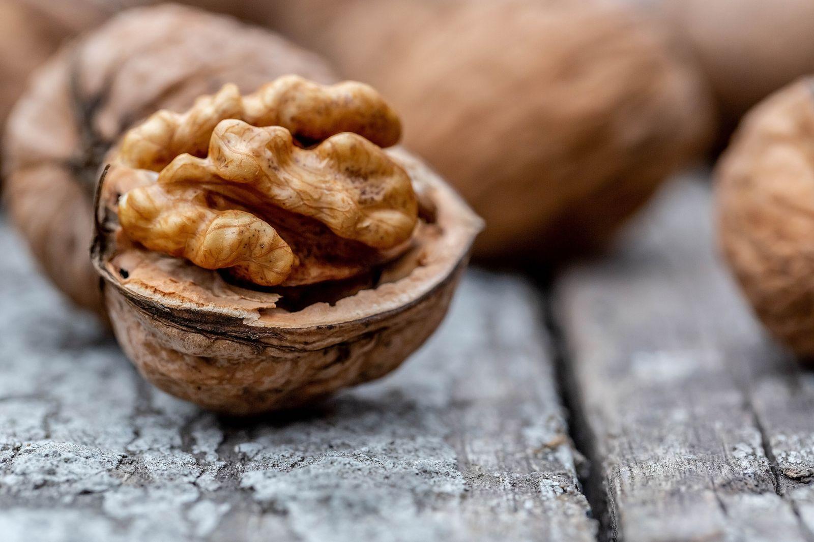 Витамины при неврологических заболеваниях. Грецкий орех. Фото: Marco Verch / Flickr