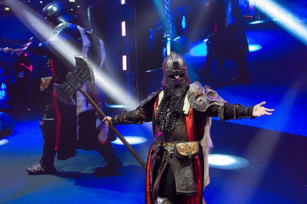 Dark Souls, «Ведьмак» и герои Marvel. Косплей на Comic Con Russia и «Игромире» 2019 comic con russia,«Игромир» 2019,Игры,косплей