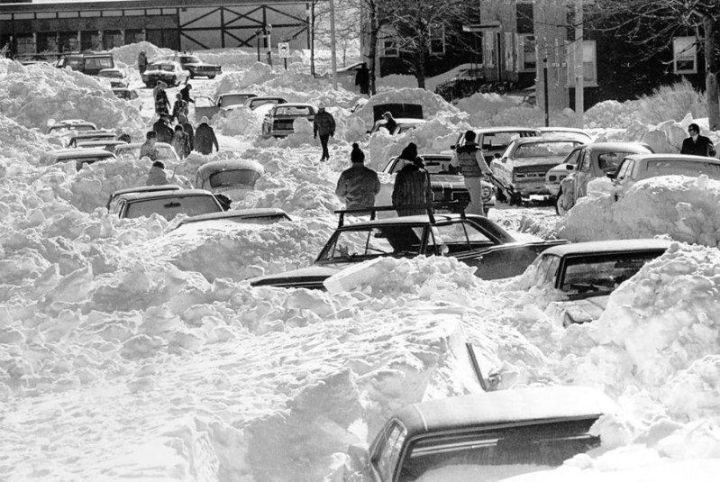 Снежные ретро-фото американских автомобилистов