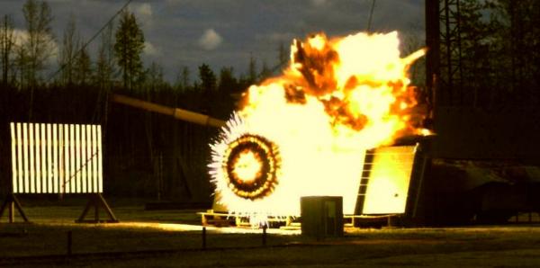 Иностранцы о работе активной брони «Арена»: «только в России не ПТУР стреляет в тебя, а танк в ПТРК - систему»
