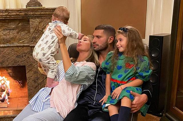 Кети Топурия отметила 35-летие с мужем Львом Деньговым и детьми: домашняя вечеринка и сюрпризы от близких Звездные пары