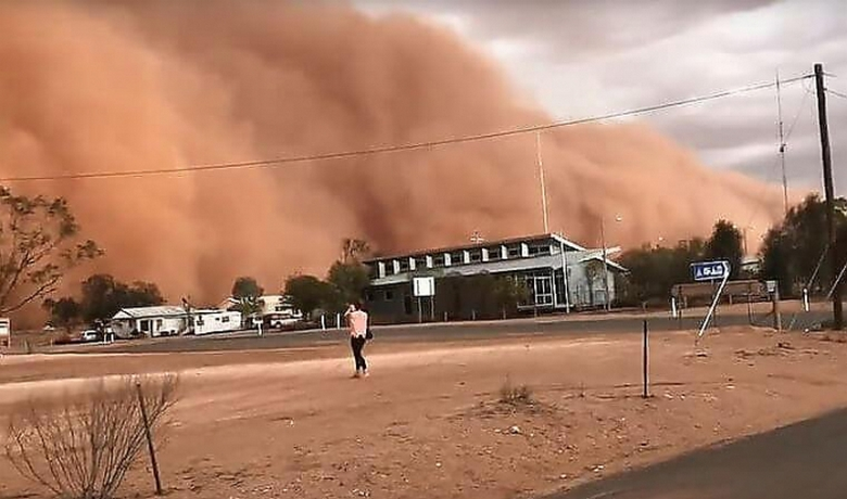 Песчаная буря – сюрреалистич…