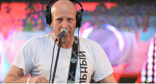 Клубы в Москве и Петербурге отменили концерты украинского музыканта Захара Мая