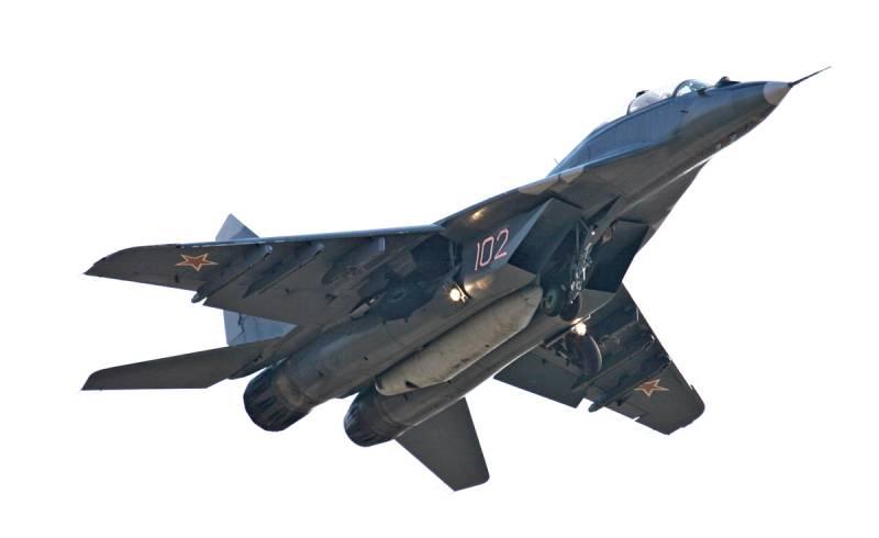 В небе над Ереваном замечены МиГ-29 ВКС России Новости