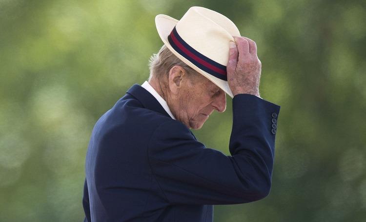Ушел из жизни принц Филипп: реакция принца Уильяма и Кейт Миддлтон, Кэтрин Зеты-Джонс и монархов со всего мира