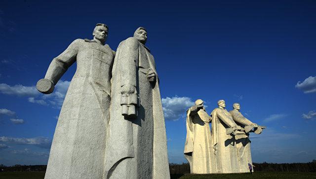 """Мединский назвал """"кончеными мразями"""" сомневающихся в подвиге панфиловцев"""