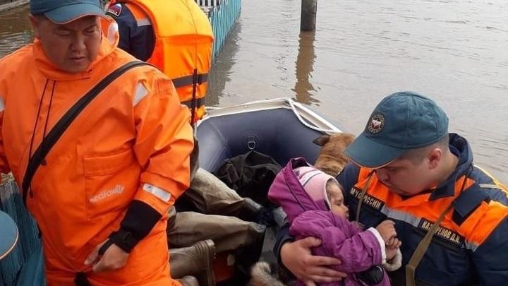 Пока люди тонули, иркутский чиновник требовал откачать воду из своего коттеджа