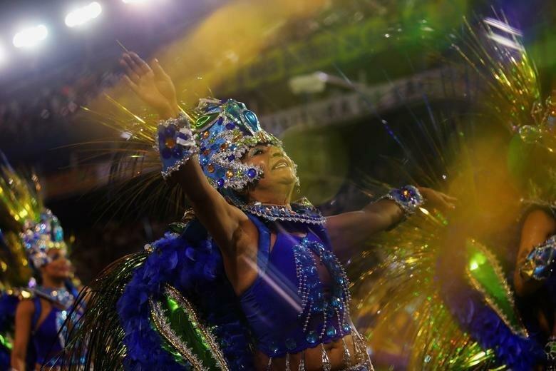 Школа Aguia de Ouro штурмует Самбодром бразилия, в мире, карнавал, события, фото, фотоотчет, фоторепортаж