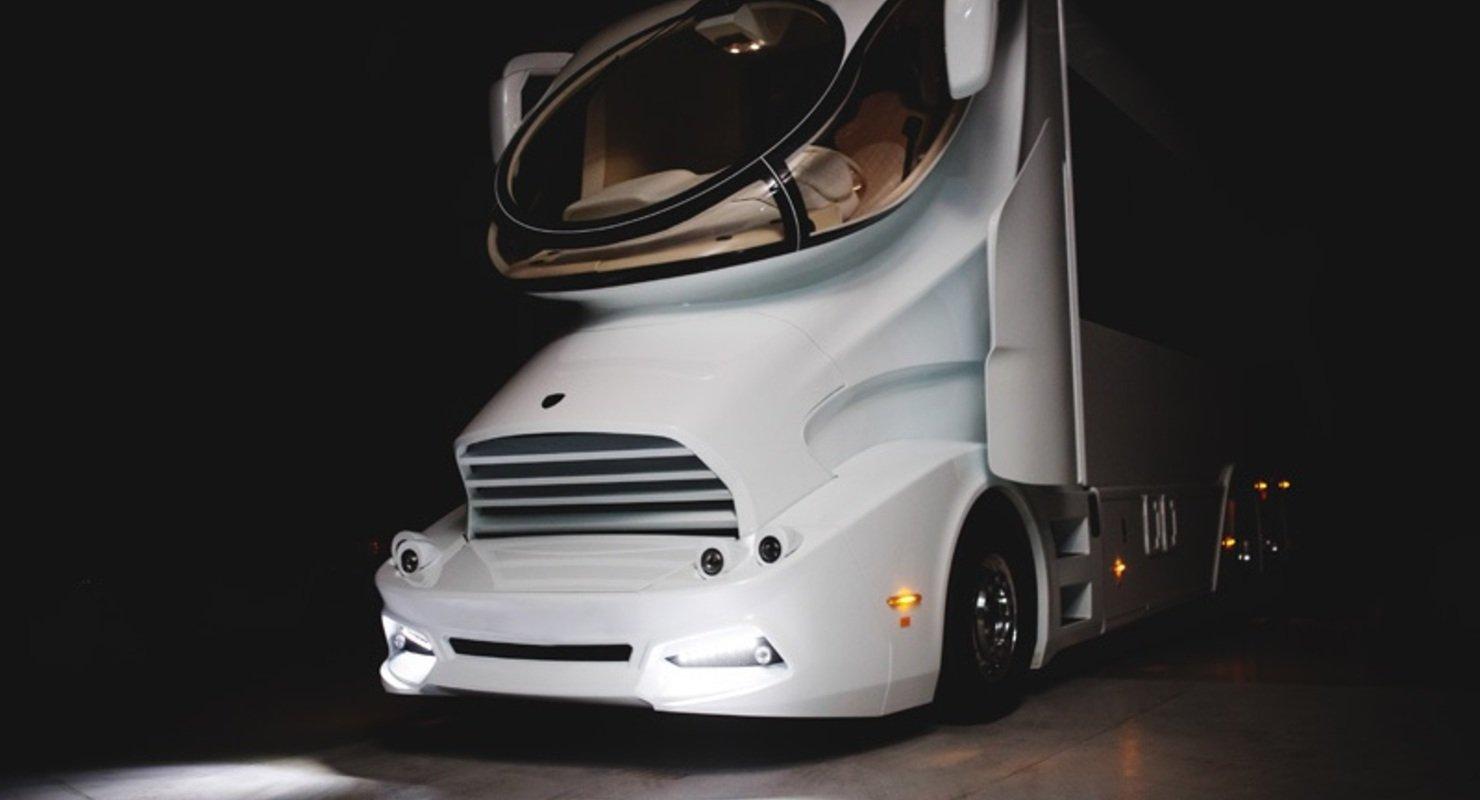 Роскошь на колесах — автодом Elemment Palazzo, стоимостью в 200 млн рублей Автомобили