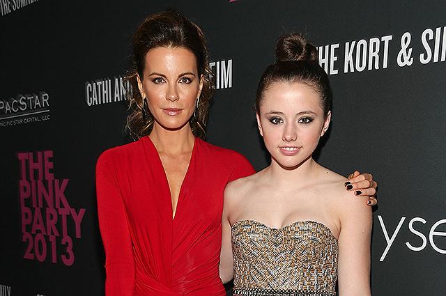 Дочь Кейт Бекинсейл высказалась о романе своей мамы с 22-летним Гуди Грейсом Звездные дети