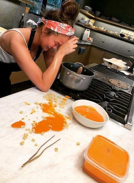 Хлеб раздора: как коронное блюдо Крисси Тейген ссорит ее с подписчиками и спасает ей жизнь Стиль жизни,Еда и рецепты
