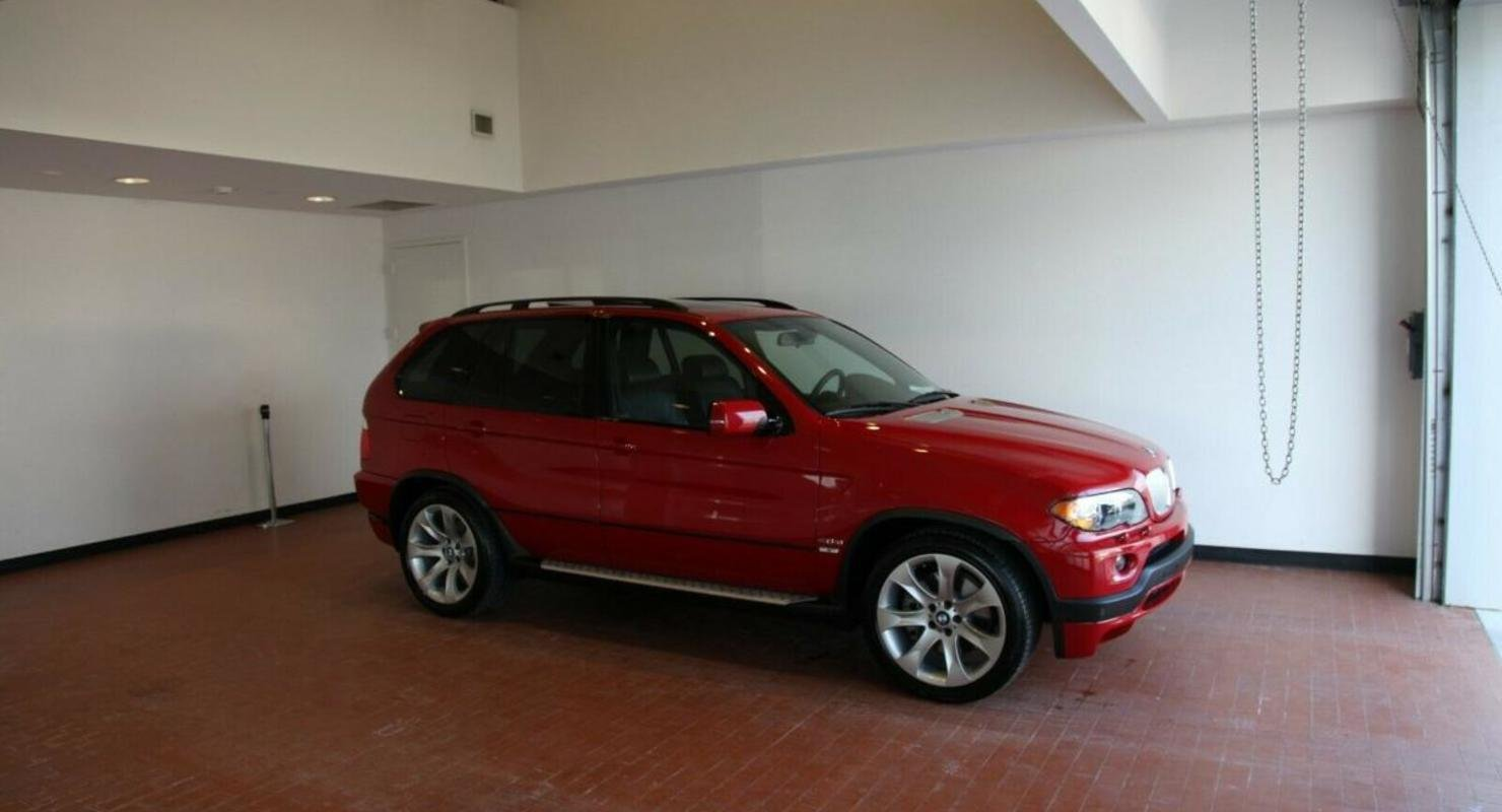 15-летний BMW X5 в состоянии нового продают за 3,7 миллиона рублей Автомобили