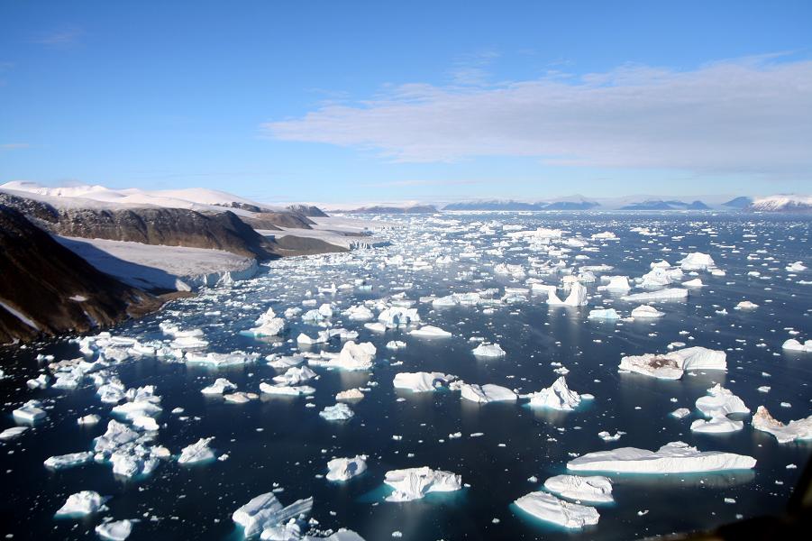 Климат, глобальное потепление — вот главная угроза человечеству. Но есть и другие
