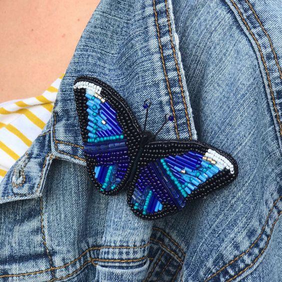 Изящный декор: самые модные броши из бисера
