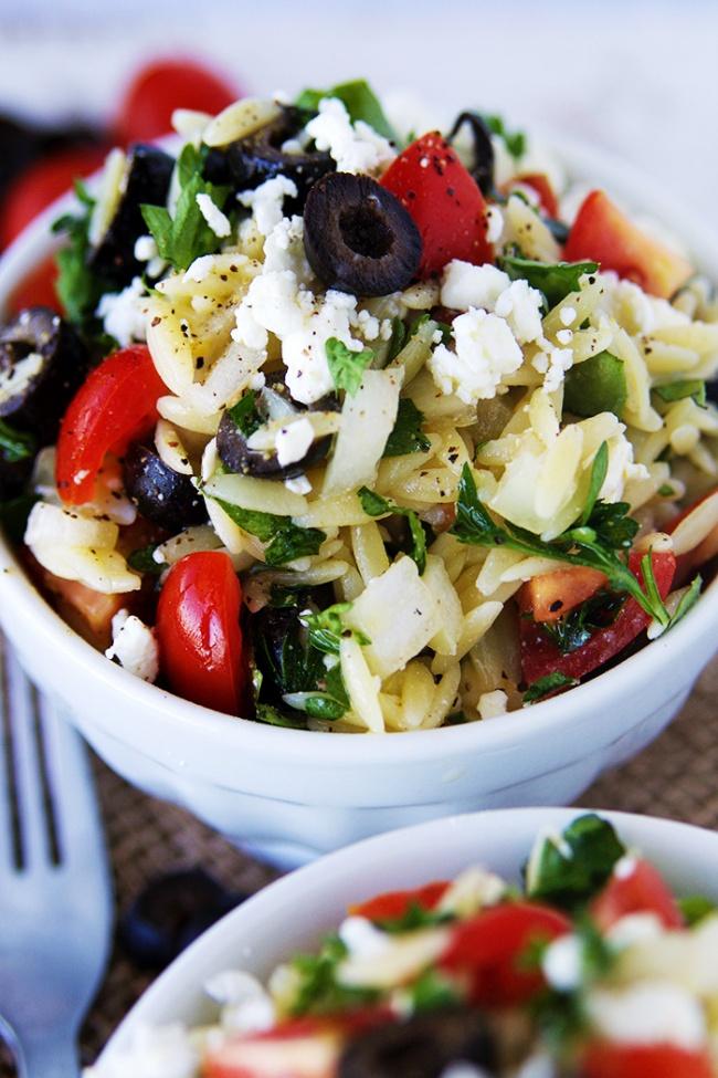 7ярких илегких салатов для весеннего настроения