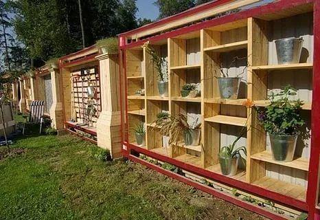Супер-идея! Забор-стеллаж на даче! дизайн интерьера,поделки для сада,полезные советы