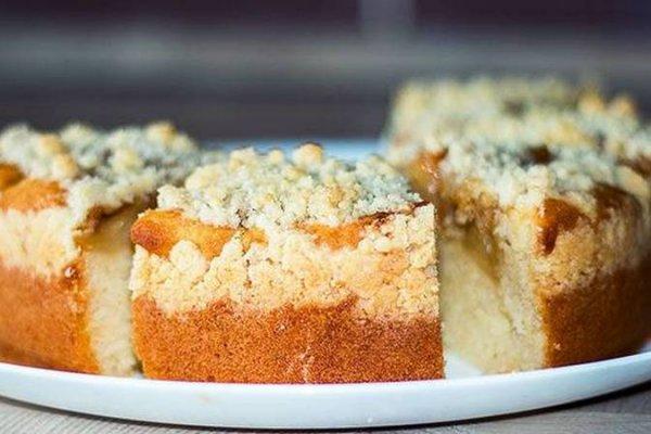 Вкусный пирог «Яблоки в карамели»