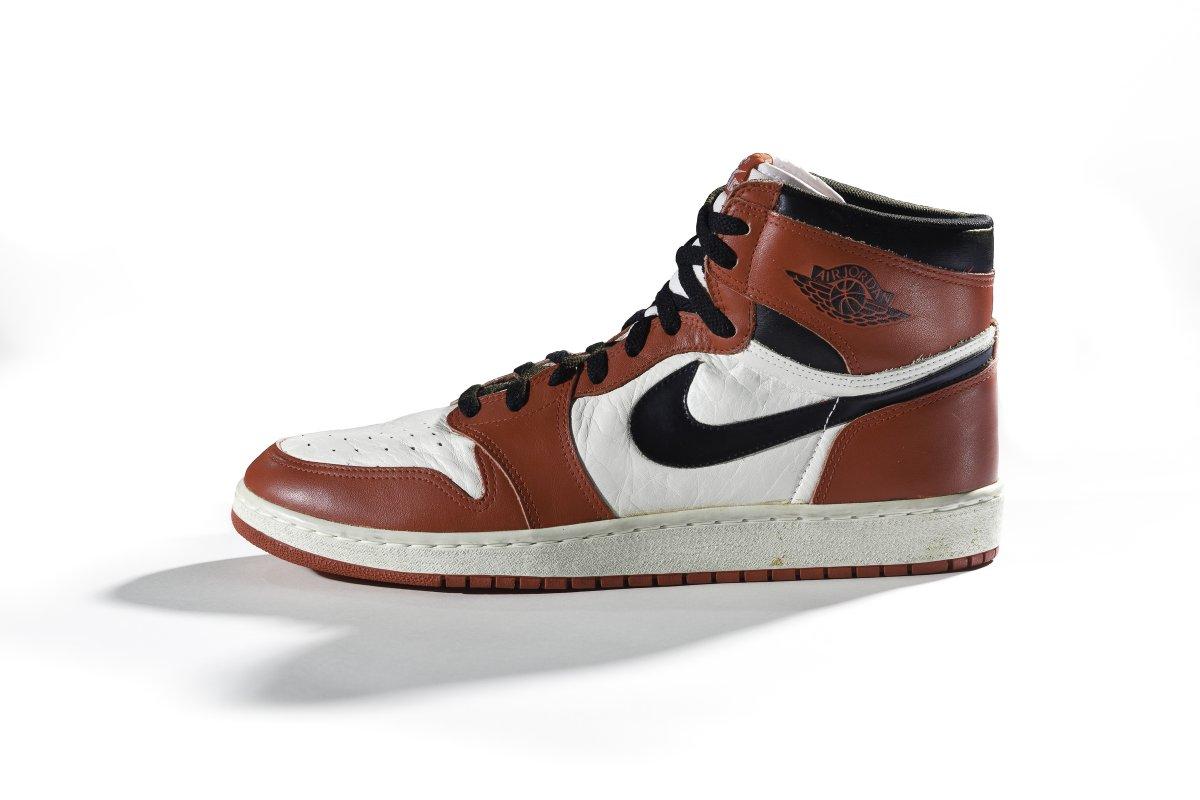 18 самых важных кроссовок в истории