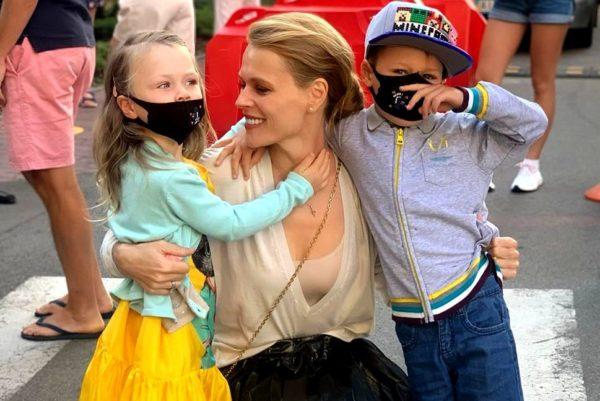Оля Фреймут и дети - Евдокия и Валерий
