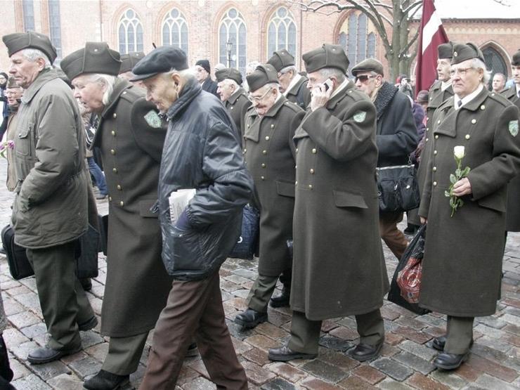 Запад ужаснулся фашизму в Прибалтике