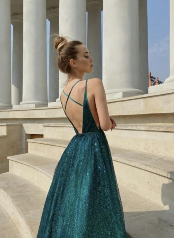 Самые яркие наряды на выпускной в 2021 году