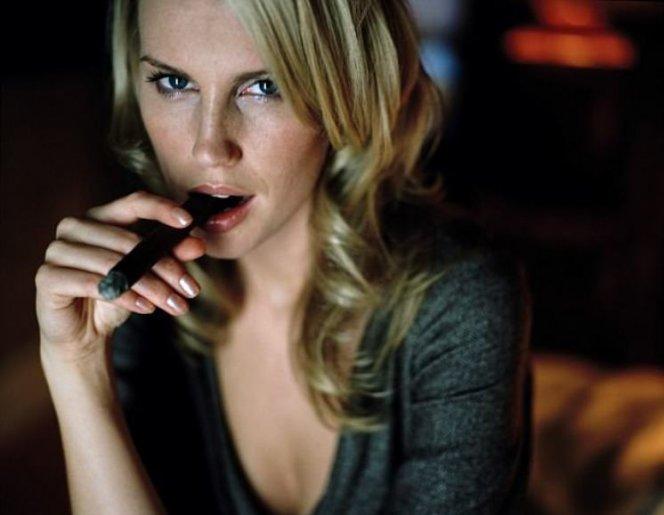 Курящих женщин в 13 раз чаще поражают тяжелые инфаркты болезни,женщины,здоровье,курение