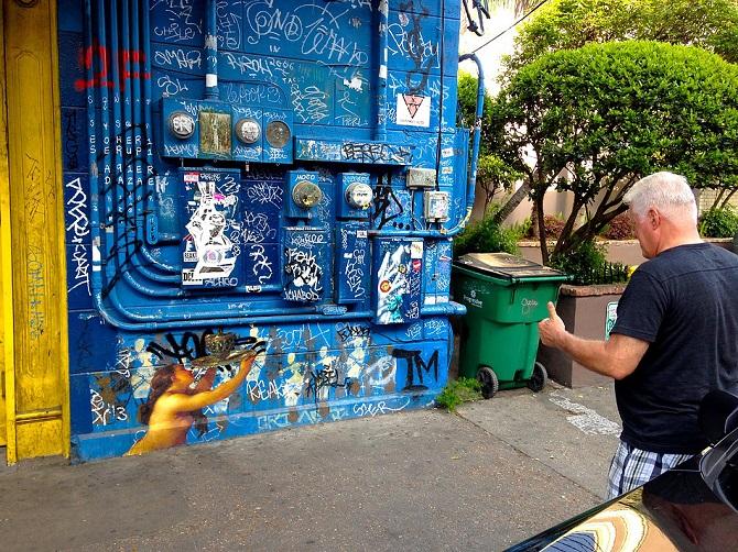 Картины перенесенные на улицу Julien de Casabianca